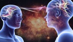 """""""Existe una urgencia individual por la intimidad, por intercambiar subjetividades, en la comunicación. Por la telepatía. Nuestro deseo nos dice lo que queremos ser: seres verdaderamente intersubjetivos"""", dice David Porush."""