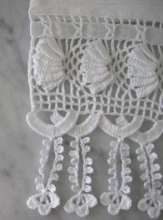point: Barred from Norminha bars jewelry Ponto Crochet Potholders, Crochet Quilt, Love Crochet, Irish Crochet, Crochet Motif, Crochet Lace, Crochet Patterns, Stitch Crochet, Crochet Stitches