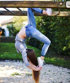 Free fitness and meditation programs! Dance Picture Poses, Dance Photo Shoot, Dance Poses, Dance Pictures, Yoga Poses, Dance Photography Poses, Gymnastics Photography, Gymnastics Workout, Gymnastics Grips