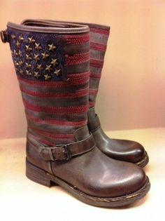 USA flag and studs biker boots « Ibiza Trendy | Moda, tiendas y gente de Ibiza | Fashion, shops and people from Ibiza