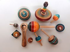 Michel Blanc !!! Spinning Top, Wood Turning, Woodworking, Wood Work, Puzzle, Wood Lathe, Top, Carte De Visite, Gift Ideas