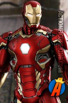 Avengers Age of Ultron Iron Man action figure from Hot Toys.