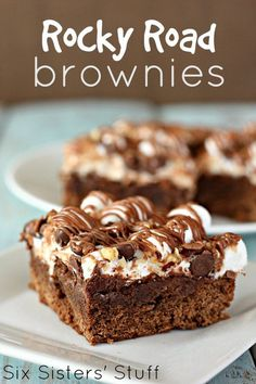 Road Brownies Rocky Road Brownies from - these are gooey and delicious!Rocky Road Brownies from - these are gooey and delicious! 13 Desserts, Delicious Desserts, Dessert Recipes, Yummy Food, Plated Desserts, Rocky Road Brownies, Best Brownies, Rocky Road Bars, Chocolate Brownies