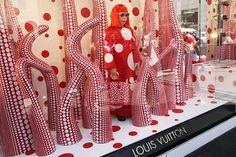 artistas plasticos que han realizado vitrinas - Buscar con Google
