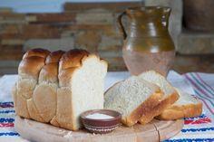 Doamne, ce gust! Cea mai simplă rețetă de PÂINE DE CASĂ! Savoarea copilăriei la tine în cuptor! Romanian Food, Romanian Recipes, Bread, Traditional, Mai, Brot, Baking, Breads, Buns
