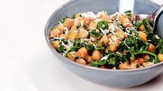 Want to put a balanced, healthy meal on the table, without the major headache of cooking up a storm? Good news: This chickpea and spinach recipe can be made using your slow cooker, and takes less than 10 minutes to prep.