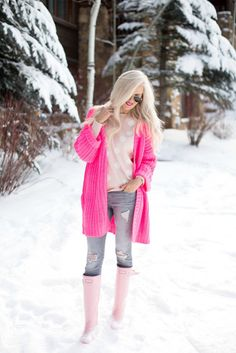 Ideas Pink Hunter Boats Outfit Summer Preppy For 2019 Pink Hunter Boots, Hunter Boots Outfit, Pink Cardigan, Oversized Cardigan, Mckenna Bleu, Boating Outfit, Sweater Outfits, Ski Outfits, Sweater Fashion