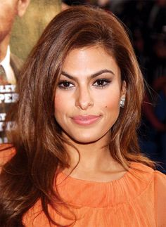Eva Mendes and Ryan Gosling: The Super-Private Couple Have Been Together Since 2011 – Celebrities Woman Gorgeous Hair Color, Cool Hair Color, Eva Mendes Hair, Hair Color Balayage, Bayalage, Maquillage Halloween, Auburn Hair, Eva Longoria, Layered Haircuts