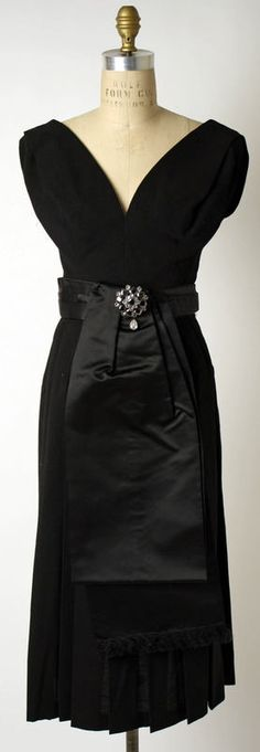 As timelessly gorgeous as the night sky. Dior cocktail dress 1953 1950s fifties vintage designer fashion LBD black