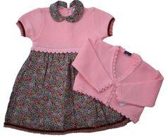 Vestido con chaqueta, combinando tela y punto Ref.2975-A | Tienda ropa y complementos confeccionados de forma tradicional y artesana para bebes y niños. Bordados personalizados y puericultura. Especialistas en ceremonia