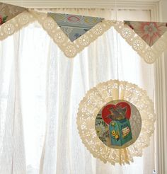 Vintage Valentine Medallion DIY- Click through to see how you can easily make these kitschy and fun vintage Valentine's Day decorations.