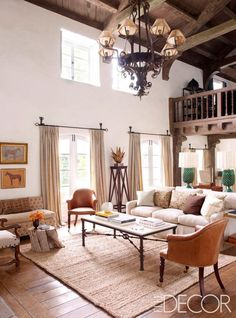 Gorgeous family room of Reese Witherspoon