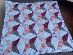 Foto První polštář - Irmiklub.cz Quilts, Blanket, Pillows, Party, Pictures, Quilt Sets, Parties, Blankets, Log Cabin Quilts