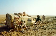 British military Land Rover during the first Gulf War: It's time for a change (Wikimedia Commons)