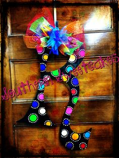 Items similar to Big Initial Letter Door Hanger on Etsy Fun Crafts To Do, Diy Arts And Crafts, Cute Crafts, Diy Crafts, Diy Letters, Letter A Crafts, Wood Letters, Letter Door Hangers, Initial Door Hanger