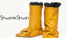 A free pattern to make leather fringe baby boots. Ugg Style Boots, Bow Boots, Fringe Boots, Leather Fringe, Baby Boots Pattern, Baby Moccasin Pattern, Doll Shoe Patterns, Vegan Boots, Sheepskin Boots