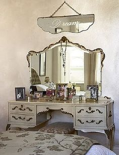 dressing table    Michelle Gollrad via Michèlle Durois onto I have the perfect place for this