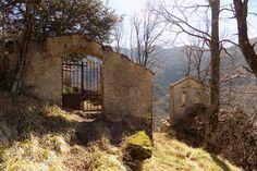 http://lemiefotosulblog.altervista.org/paesi-fantasma/