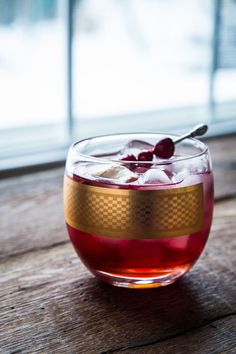 cranberry ginger cocktail - Jelly Toast