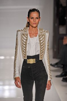 Balmain at Paris Fashion Week Spring 2012 - Runway Photos Runway Fashion, Fashion Outfits, Fashion Trends, Paris Fashion, Pretty Outfits, Pretty Clothes, Diy Clothes, Spring Summer Fashion, Balmain