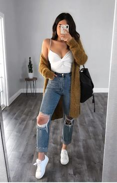 Cute Outfits Ideas For Winter provided Cute Winter Outfits wherever Cute Summer Outfits For Date Night Tumblr Outfits, Mode Outfits, Jean Outfits, Fashion Outfits, Fashion Walk, Fashion Advice, Fashion Boots, Fashion Fashion, Womens Fashion