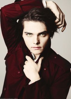 Source: gerardwayisfabulous - http://gerardwayisfabulous.tumblr.com/post/41311656798/my-favorite-picture-of-gerard-requested-by