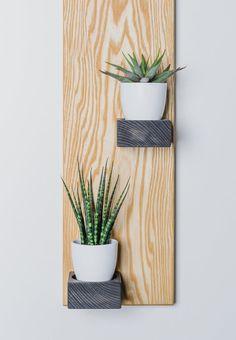 Wall Clock Wooden, Wooden Walls, Minimalist Decor, Minimalist Design, Flower Shop Decor, Concrete Light, Diy Crafts For Home Decor, Types Of Wood, Flower Pots
