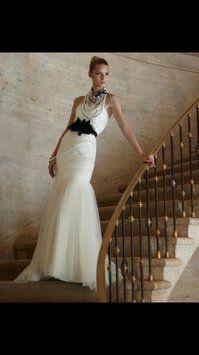 White House   Black Market Wedding Dress $520