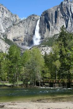 Learn the secrets to getting Yosemite reservations and the best hikes in the valley. Camping New Zealand, Camping In England, Big Bear Camping, Camping Near Me, Camping Cabins, Camping Trailers, Camping In Tennessee, California Camping, Yosemite Valley Camping