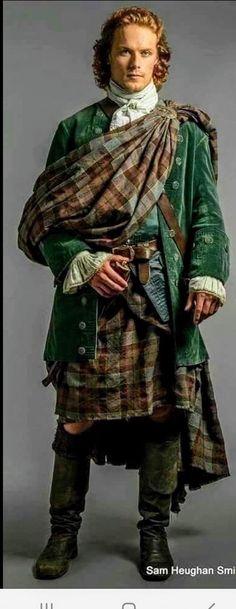 Sam Heughan Outlander, James Fraser Outlander, Outlander Season 1, Outlander Series, Wedding Dress, Fashion Fail, Jamie Fraser, Sari, Actors