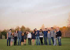 Really liked this LARGE family portrait. Different twist on standard posing. ©Kate Noelle Photography