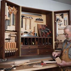 View a Larger Image of Woodworking Project Paper Plan to Build Hand Tool Cabinet Woodworking Tool Cabinet, Essential Woodworking Tools, Woodworking Hand Tools, Wood Tools, Easy Woodworking Projects, Woodworking Furniture, Custom Woodworking, Woodworking Plans, Wood Projects
