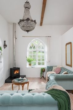 Novella near Braunton, north Devon offers luxury self-catering in a characterful cottage close to the coast. Holiday Cottages To Rent, Unique Cottages, Self Catering Cottages, Arched Windows, Print Wallpaper, Cool Countries, Coastal Homes, White Walls, Living Room Designs