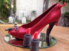 LUCY en Monster Rose. Zapatillas de chocolate especial de Halloween. www.lamansionrosa.com