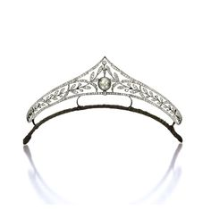 Natural Pearl and Diamond Tiara, Circa 1900 The openwork tiara of foliage motif, set with old mine-cut diamonds together weighing approxima. Royal Tiaras, Tiaras And Crowns, Diamond Tiara, Diamond Cuts, Pearl Diamond, Royal Jewelry, Fine Jewelry, Antique Jewelry, Vintage Jewelry