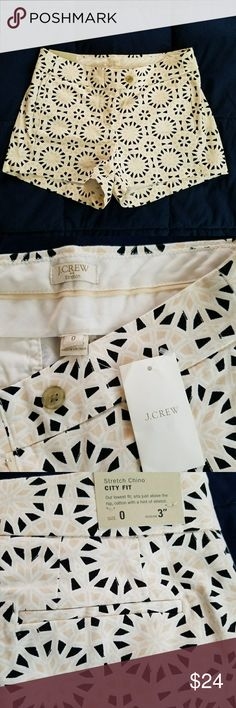 J.CREW City Fit Stretch Chino Adorable pattern, sits just above the hip. 97% cotton and 3% elastane. Shorts