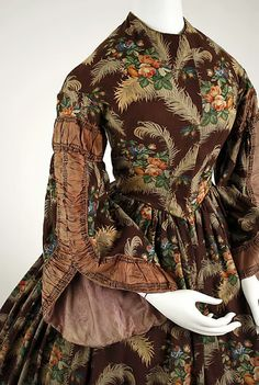 Print Dress, ca. 1850 a bit early for civil war clothing.  But love the rich colors