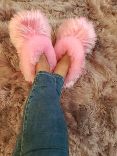 Pink slippers - Unisex Alpaca fur slipper - alpaca fur slippers - Handmade - very soft touch - soft leather adult shoe White Slippers, Fuzzy Slippers, Alpaca Slippers, Bedroom Slippers, Hype Shoes, Unisex, Summer Outfits, Free Delivery, Indoor