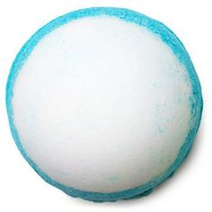 Take a dip into the deep blue sea of our Big Blue Bath Bomb for an inspiring getaway to the seashore. Lavender is instantly relaxing on the body and mind, and lemon oil helps to keep you afloat. For a truly authentic experience, we've added in some of nature's finest ingredients – sea salt and seaweed. Packed with minerals, salt helps the body rid itself of toxins, while seaweed softens and soothes your skin. Just lay back and sail away to shores of uncluttered thoughts, softer skin and…