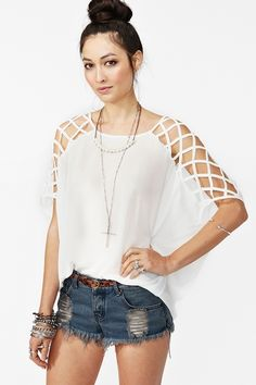 Love the sleeves! Cool for summer!  Cut Up Top - White #nastygal