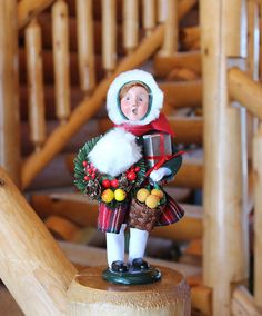Byers' Choice Caroler - Girl Decorating With Family