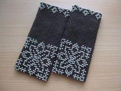 beaded wrist warmers/ star flower nordic