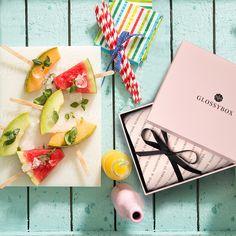 Alles Gute zum Frauentag!  Wir verlosen heute frühlingshafte Beauty von GLOSSYBOX: 2x Fresh 'n' Fruity Editionen + 1 x 3-Monatsabo von Glossybox. Schnell auf den Blog und mitgemacht.  http://hauptstadtmutti.de/…/alle-gute-zum-frauentag-wir-ver…
