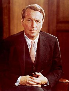 hard to ignore, Ogilvy wrote some of the best ads in history and his writing on marketing and advertising is equally famous. Advertising Industry, Advertising Networks, Marketing And Advertising, Social Media Tips, Social Networks, Content Marketing, Social Media Marketing, The Playboy Club, Ogilvy Mather