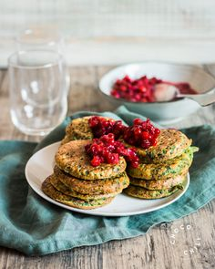 Vegan and Gluten Free Spinach Pancakes Healthy Gluten Free Recipes, Vegan Recipes, Cooking Recipes, Vegan Main Course, Vegan Challenge, Vegan Vegetarian, Food Photography, Dessert Recipes, Meals