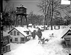 Children standing in the rabbit village at the Lincoln Park Zoo, 1929. Photograph from the Chicago Daily News. DN-0088620 #chicago #history #lincolnparkzoo