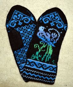 Traditional Norwegian / Scandinavian Hand Crafted Wool Mittens Please check out fine Norwegian hand crafted wool mittens with style! Knitted Mittens Pattern, Knit Mittens, Mitten Gloves, Knitting Patterns, Knitting Ideas, Colorful Socks, Fair Isle Knitting, Sheep Wool, Hand Warmers