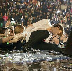 15th Anniversary Concert Shin, Joo Hyuk, Korean Singer, Beautiful People, Anniversary, Park, Couple Photos, Concert, Celebrities