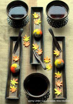 和菓子『山もみじ Yama-Momiji(colorful leaves in fall)~練切 Nerikiri』Japanese sweets sculpted in seasonal designs around bean paste flavored with walnuts and sesami. *styling / photo / cups and sweets : Midori Morohoshi(http://ameblo.jp/greenonthetable/imagelist.html)