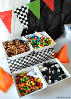 Fiesta Cars Disney - Ideas y descargas gratis Hot Wheels Party, Festa Hot Wheels, Hot Wheels Birthday, Monster Truck Birthday, Monster Birthday Parties, Birthday Party Themes, 2nd Birthday, Auto Party, Race Car Party